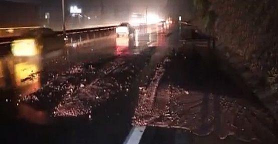 TEM otoyoluna toprak kayması sonucu trafik kitlendi!