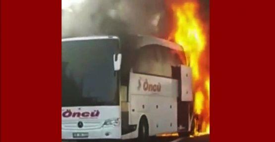TEM otoyolunda yolcu otobüsü alev alev yandı!