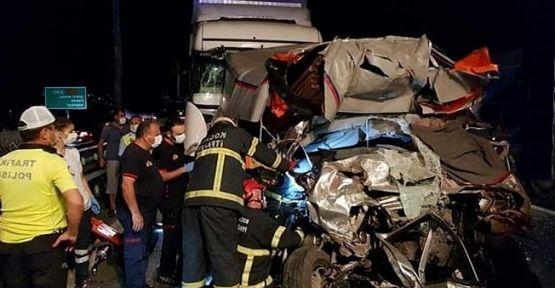 TEM'de zincirleme kaza :1 ölü 2 yaralı