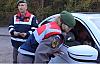 Jandarma ekipleri, sürücülerin sevgililer gününü kutladı