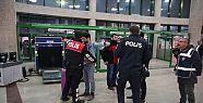 Okul uygulamasında kaçak göçmenler yakalandı