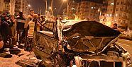 Otomobil Otobüse Çarptı, 3 Yaralı