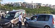 Otomobille çarpışan hafif ticari araç...
