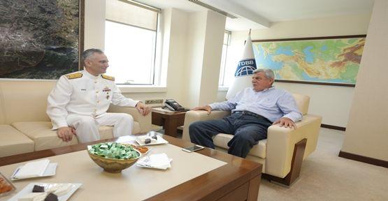 Tuğamiral Tok'tan Başkan Karaosmanoğlu'na ziyaret
