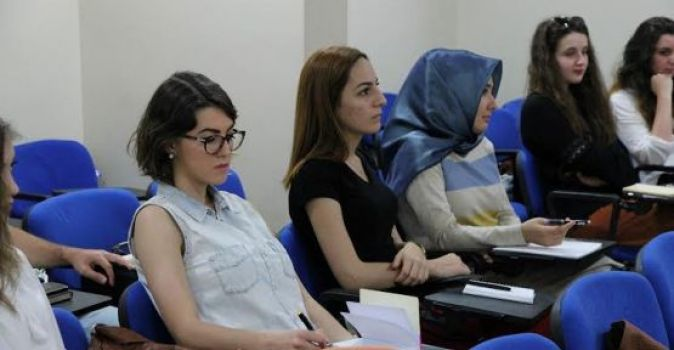 Ücretsiz dil eğitimleri devam ediyor