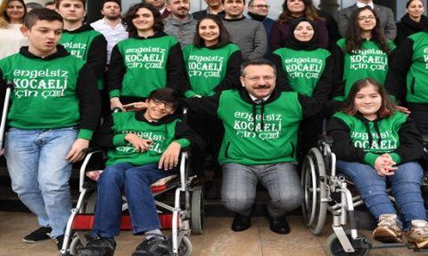 Vali Aksoy Engelliler Gününü Kutladı