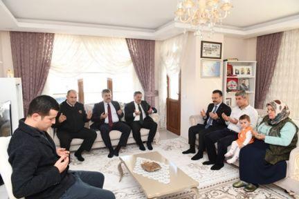 Vali Aksoy Şehit Uzman Çavuş Ümit İnan'ın Ailesini Ziyaret Etti