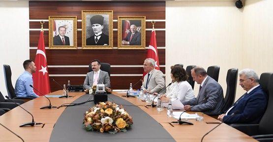 Vali Aksoy vatandaşın talebini dinledi