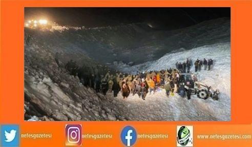 Van'da çığ altında kalanları arayan ekibin üzerine çığ düştü! 8 kişi hayatını kaybetti