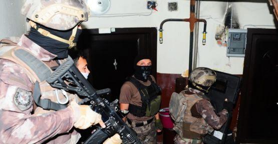 Yapılan operasyonlarda aranan 25 kişi yakalandı!