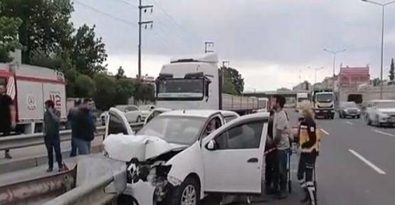Bariyerlere giren araçta 1 kişi yaralandı!