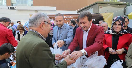 Başkan Demirci'den, Vatandaşlara Aşure İkramı