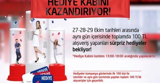 """GEBZE CENTER'DAN ZİYARETÇİLERİNE """"HEDİYE YAĞMURU"""