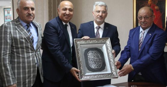Günlük kazancını Arakan'a bağışladı
