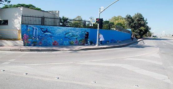 Kocaeli'de duvarlar sanatla renkleniyor
