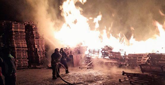 Palet fabrikasında korkutan yangın!