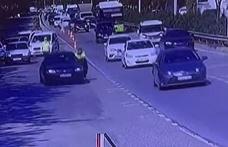 Uygulama noktasından kaçan sürücü, polisi metrelerce sürükledi!