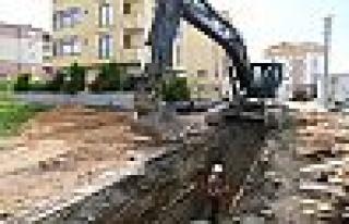 Çayırova'da yağmur suyu hattı çalışması