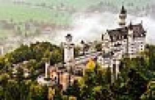 Neuschwanstein Şatosu Nerededir ?