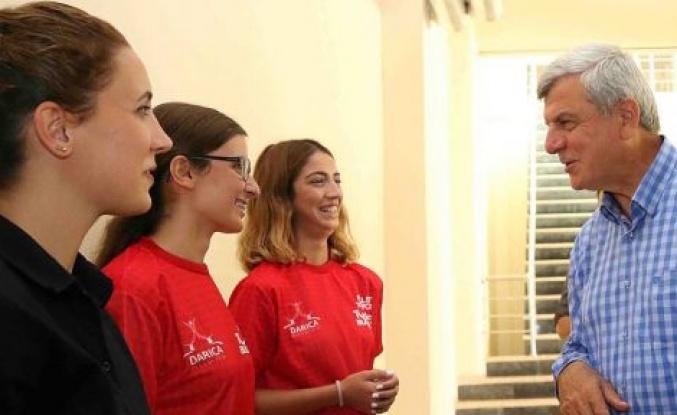 Karaosmanoğlu'ndan kadınlar ve gençlere müjde