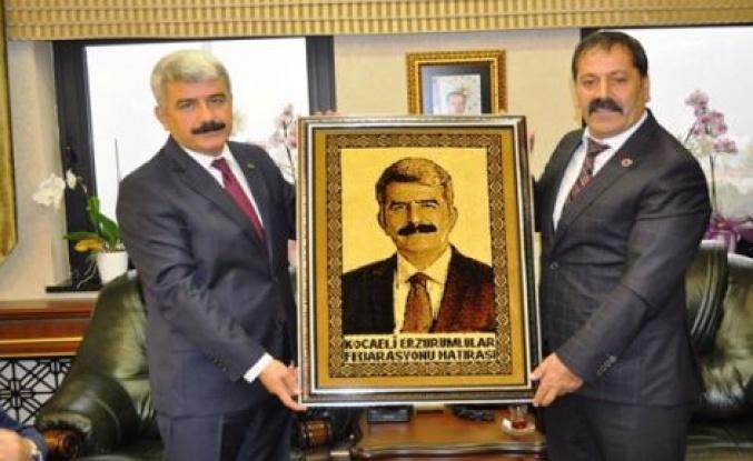 (KEDFE),Kocaeli Üniversitesi Rektörü Prof.Dr. Sadettin Hülagü'yü makamında ziyaret etti.