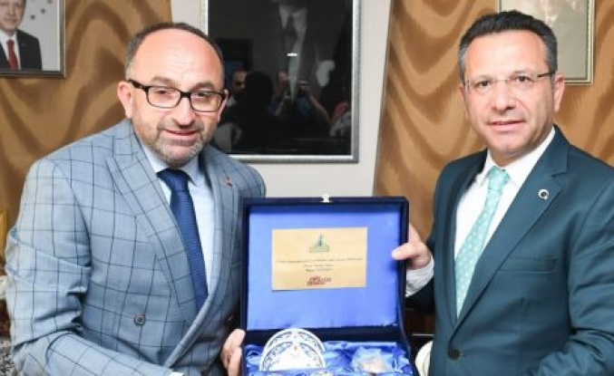 VALİ AKSOY'DAN ÜZÜLMEZ'E İADE-İ ZİYARET